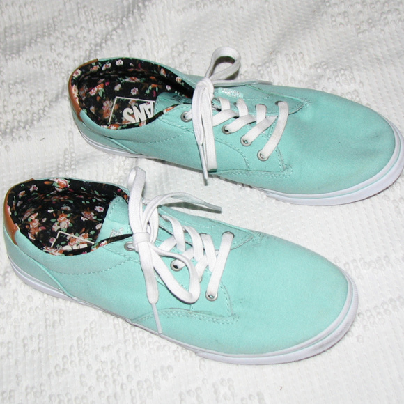 952ca5abaafb M 5b46105f6a0bb72cdcd79265. Other Shoes you may like. Women s vans